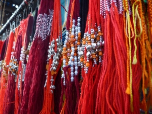 Threads_of_love_rakhi,_Raksha_Bandhan_Hindus_Sikhs_Jains_India