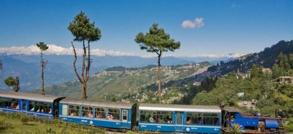 India, West Bengal, Darjeeling, Batasia Loop, Steam train of the Darjeeling Himalayan Railway